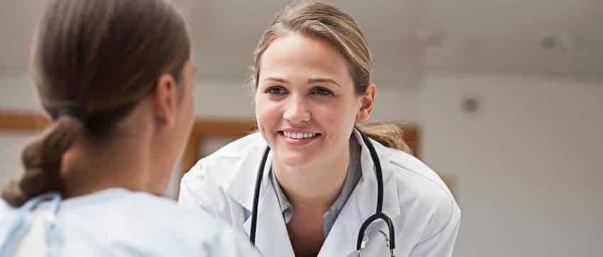 علایم کیست سینه زنان