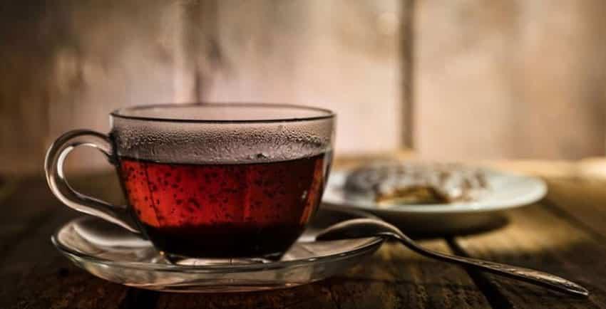 خواص و مضرات چای سیاه