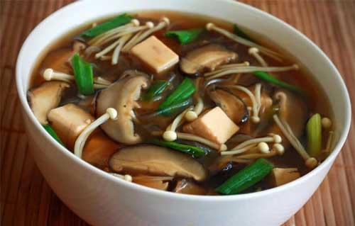 سوپ-توفو-و-قارچ.jpg