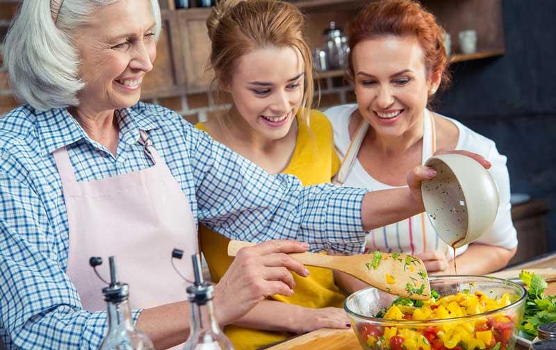 مواد-مغذی-که-خانم-ها-در-همه-سنین-برای-سلامتی-نیاز-دارند.jpg